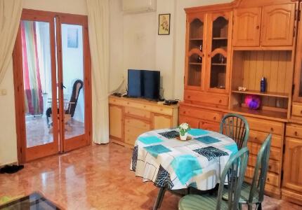 Prostorný byt 3+1 s nízkými poplatky, Torrevieja