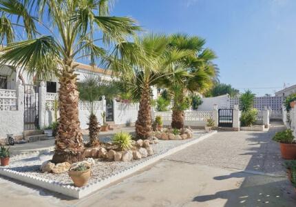 Prostorný zrekonstruovaný bungalov 3+1, Nueva Torrevieja