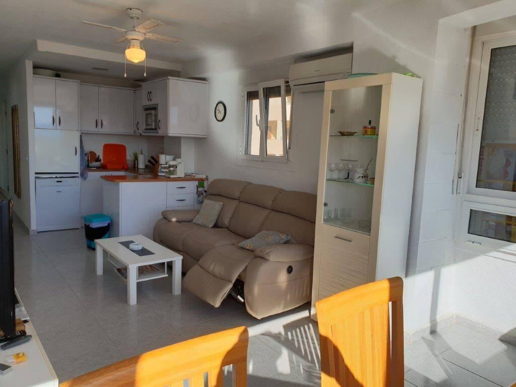 Prostorný apartmán  4+1 v  první linii od moře