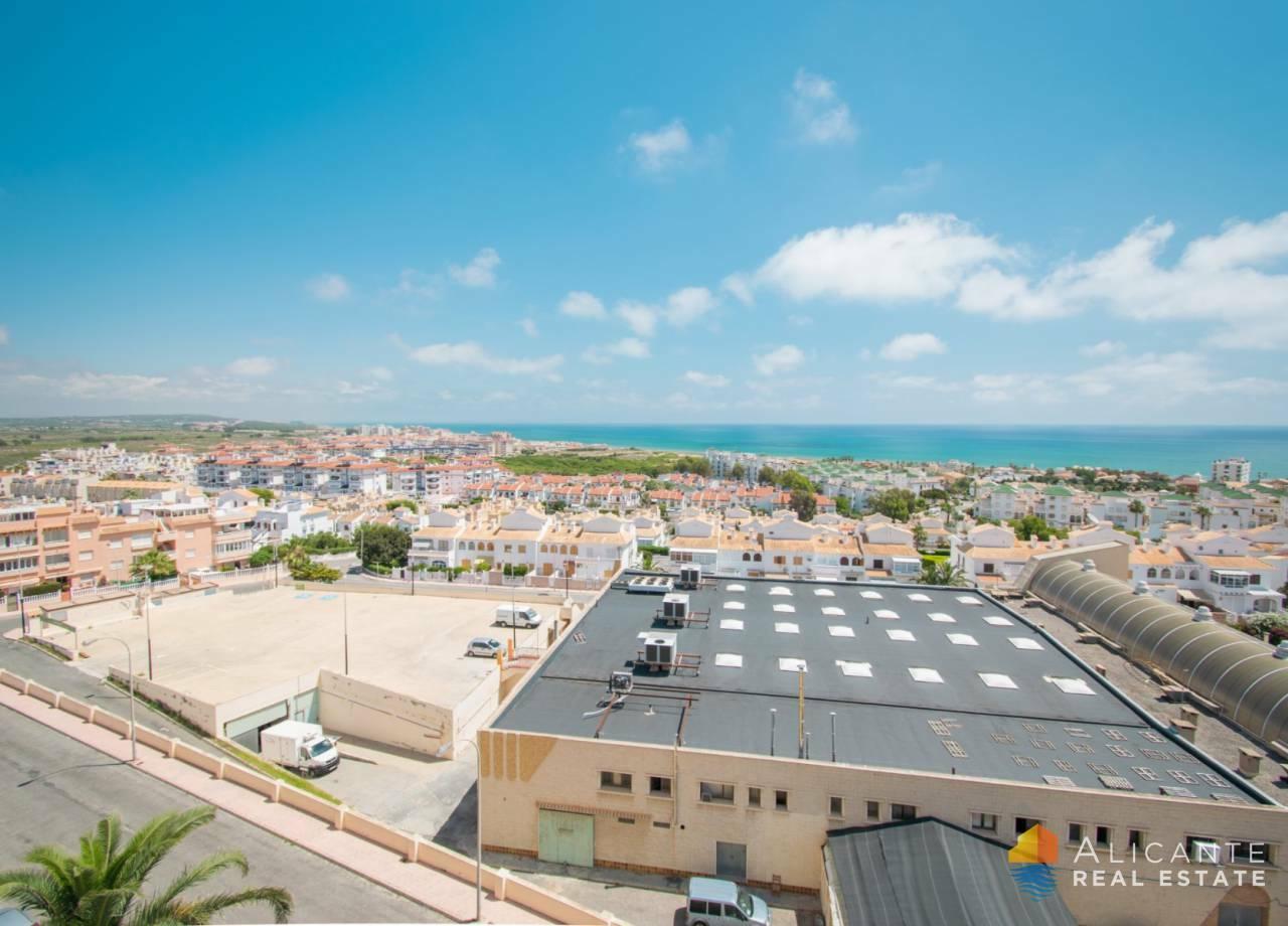 Apartmán 3+kk s výhledem na moře v Torrevieja