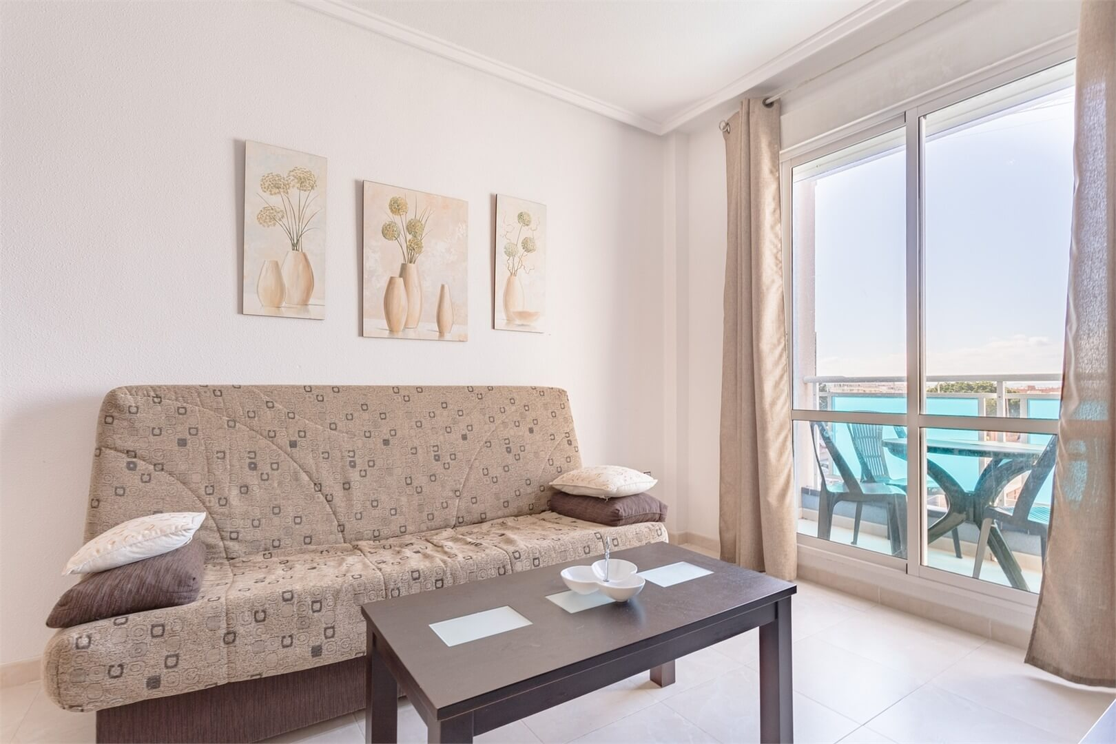 Světlý, útulný byt 3+1 v Torrevieja