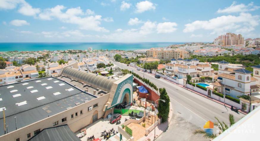 Apartmán 3+kk s neuvěřitelným výhledem na moře, Torrevieja